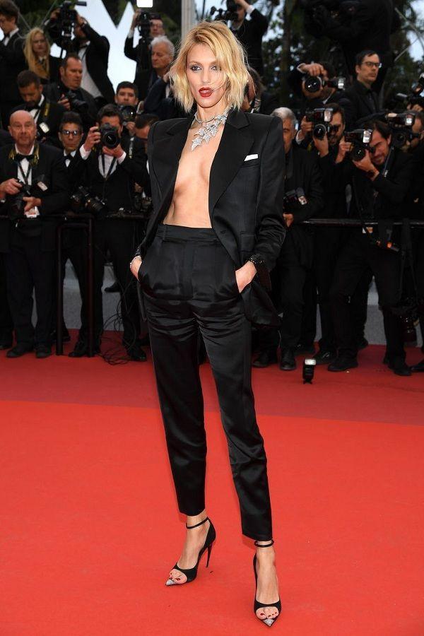 Bộ váy tai tiếng của Ngọc Trinh không hề lọt Top trang phục đẹp nhất Cannes trên tạp chí uy tín-6