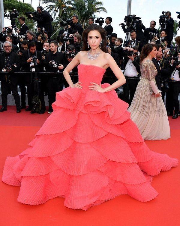 Bộ váy tai tiếng của Ngọc Trinh không hề lọt Top trang phục đẹp nhất Cannes trên tạp chí uy tín-8