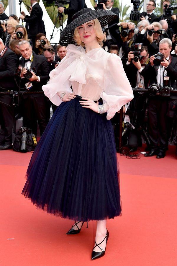 Bộ váy tai tiếng của Ngọc Trinh không hề lọt Top trang phục đẹp nhất Cannes trên tạp chí uy tín-9