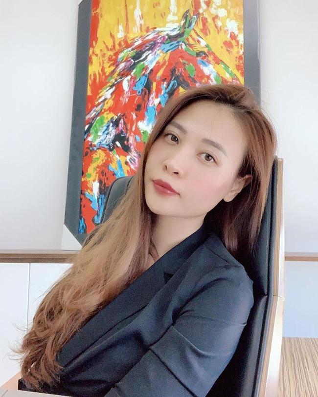 Nhiều bằng chứng cho hay Đàm Thu Trang đã mang thai với Cường Đô La trước khi làm đám cưới-3