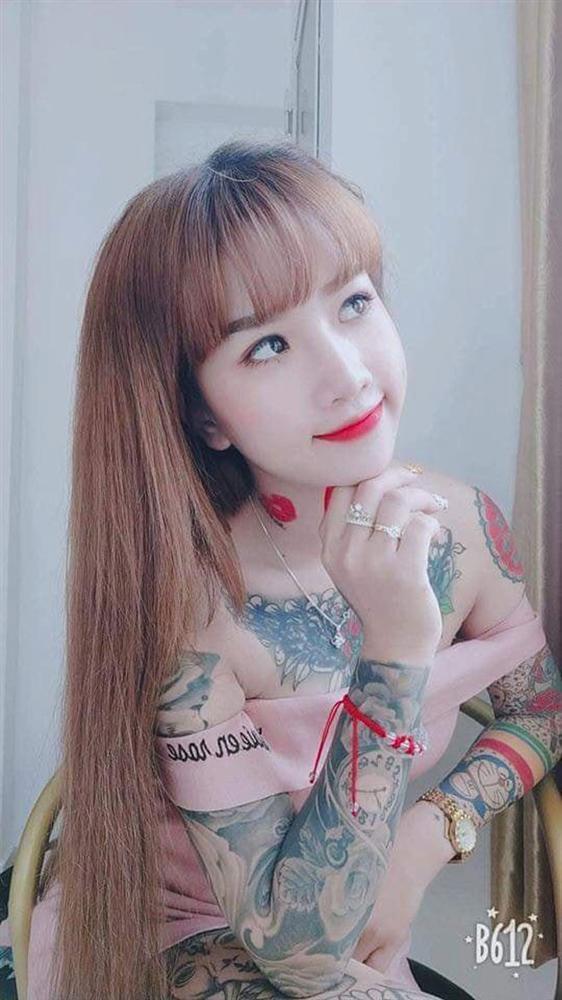 Cô gái xinh đẹp An Giang 19 tuổi kể chuyện xăm kín ngực, 14 hình ở chân-5