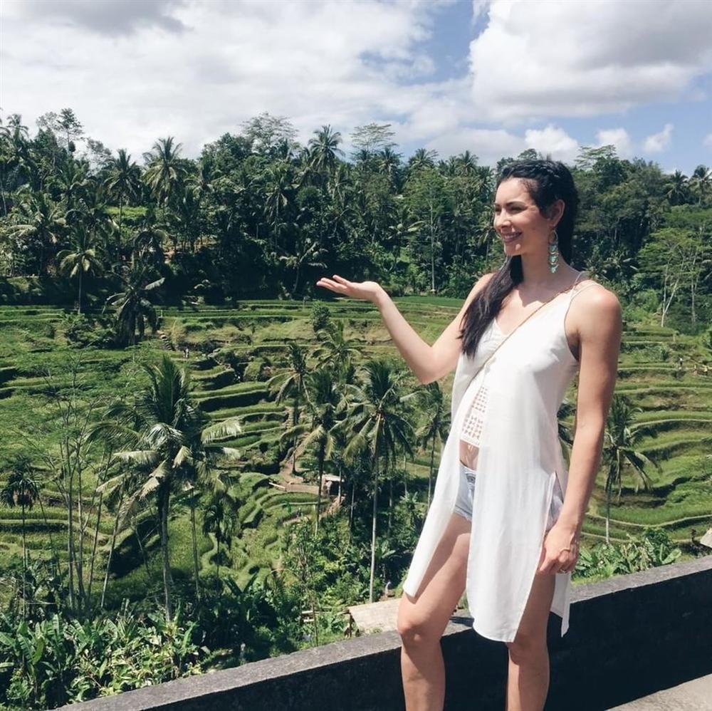 Bản tin Hoa hậu Hoàn vũ 28/5: Đẹp như Phạm Hương cũng chỉ đủ để làm nền cho cô gái vàng trong làng nhan sắc-6