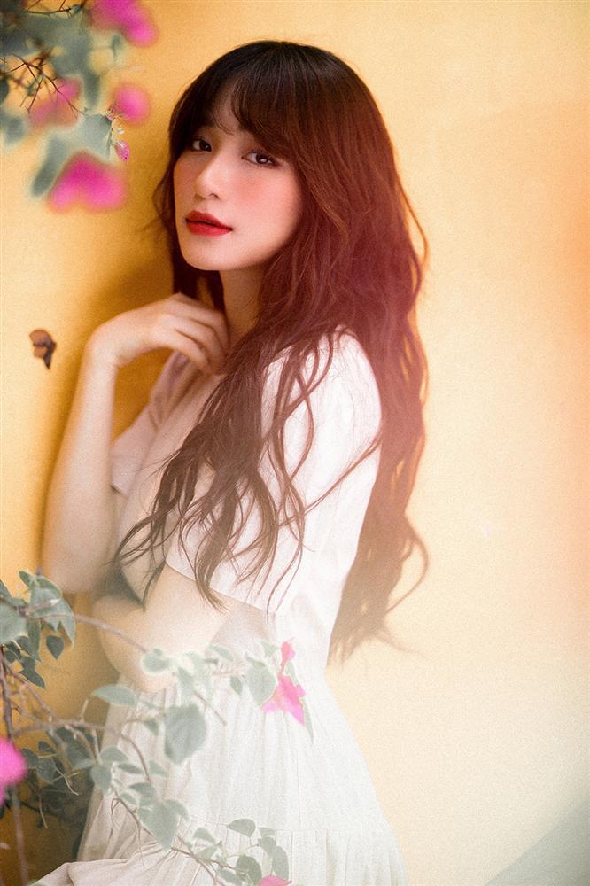 Nửa năm chữa bệnh viêm xoang, Hòa Minzy tái xuất khoe giọng cao vút trong bản tình ca mới-1