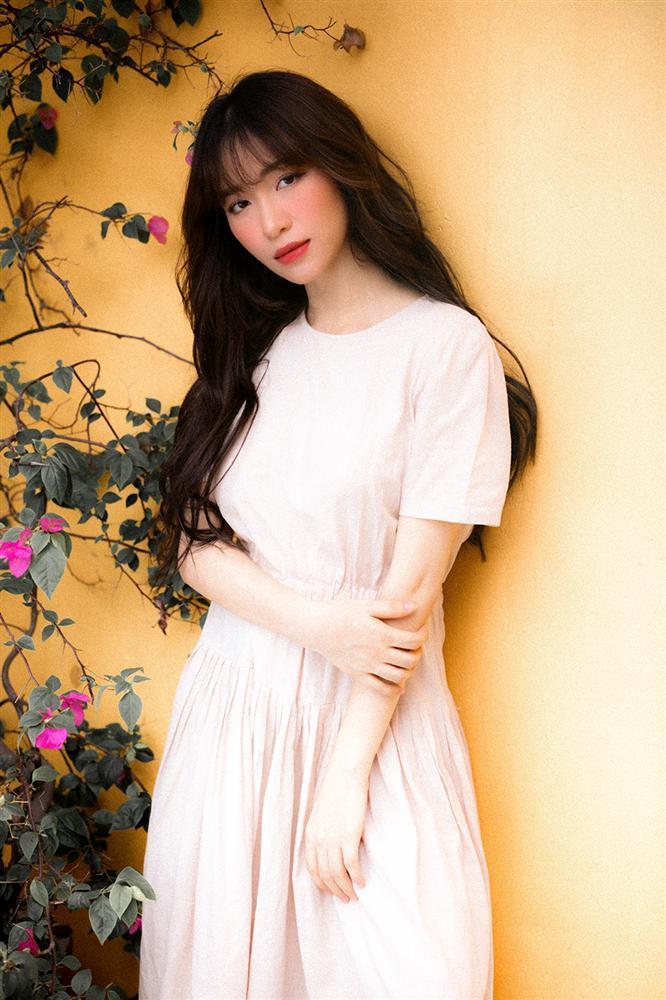 Nửa năm chữa bệnh viêm xoang, Hòa Minzy tái xuất khoe giọng cao vút trong bản tình ca mới-2