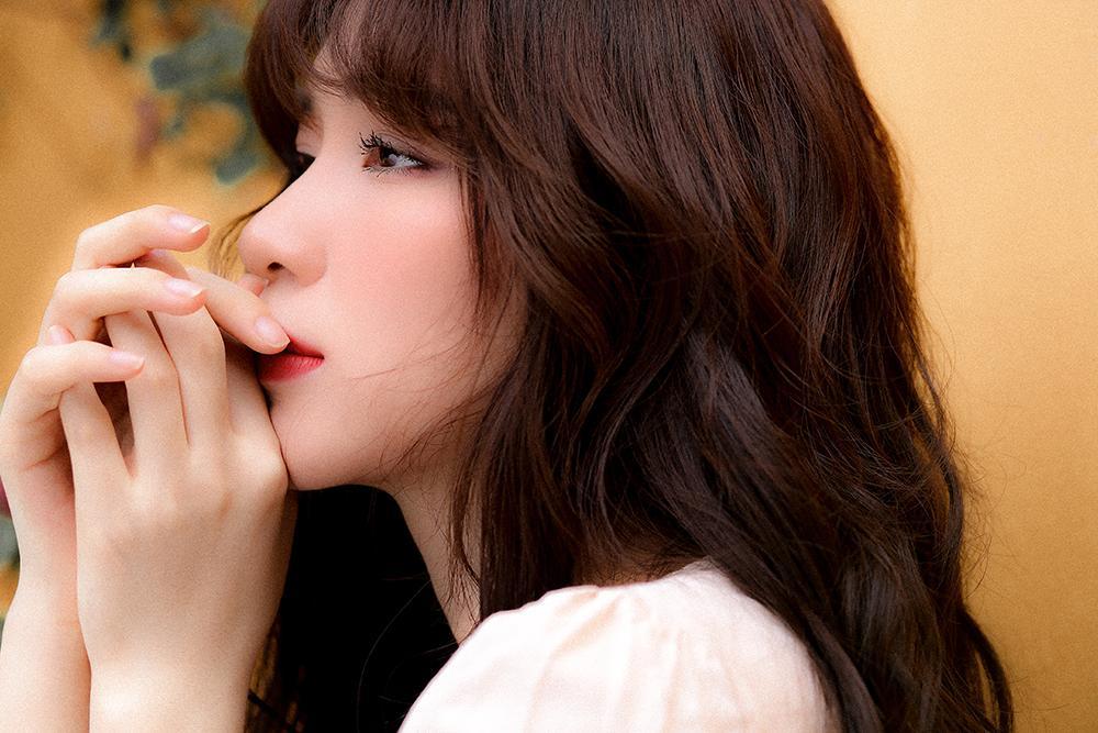 Nửa năm chữa bệnh viêm xoang, Hòa Minzy tái xuất khoe giọng cao vút trong bản tình ca mới-3