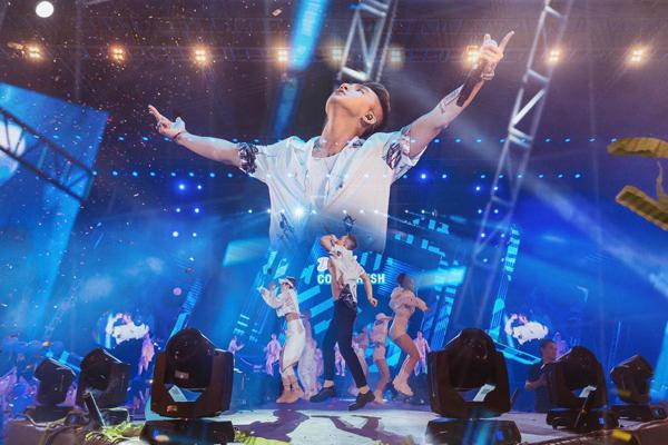 Sơn Tùng M-TP, Lou Hoàng 'quậy tưng' sân khấu Diana Cool Fest-5