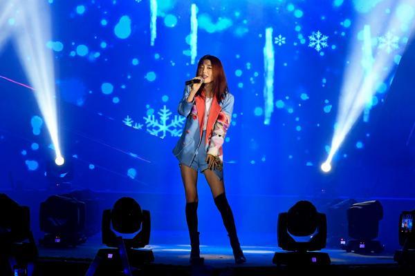 Sơn Tùng M-TP, Lou Hoàng 'quậy tưng' sân khấu Diana Cool Fest-8