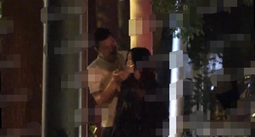 Vương Phi vắng mặt trong tiệc sinh nhật con gái hở hàm ếch do Lý Á Bằng tổ chức-5