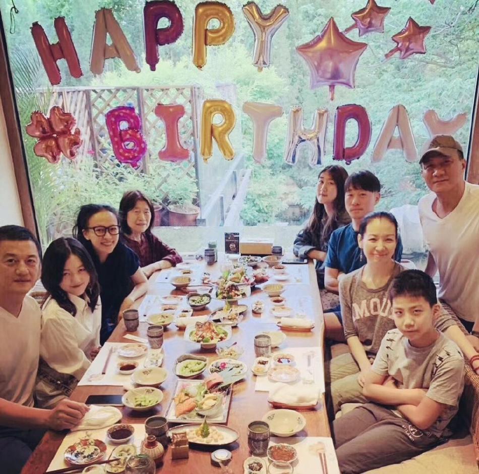 Vương Phi vắng mặt trong tiệc sinh nhật con gái hở hàm ếch do Lý Á Bằng tổ chức-1