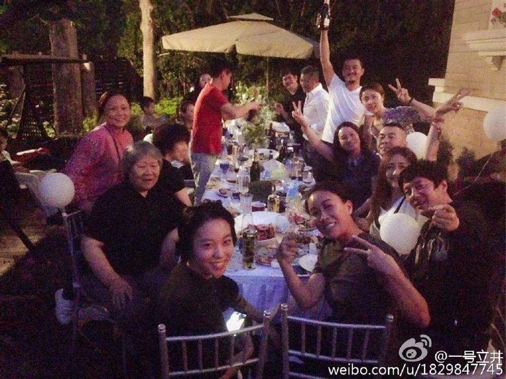 Vương Phi vắng mặt trong tiệc sinh nhật con gái hở hàm ếch do Lý Á Bằng tổ chức-7
