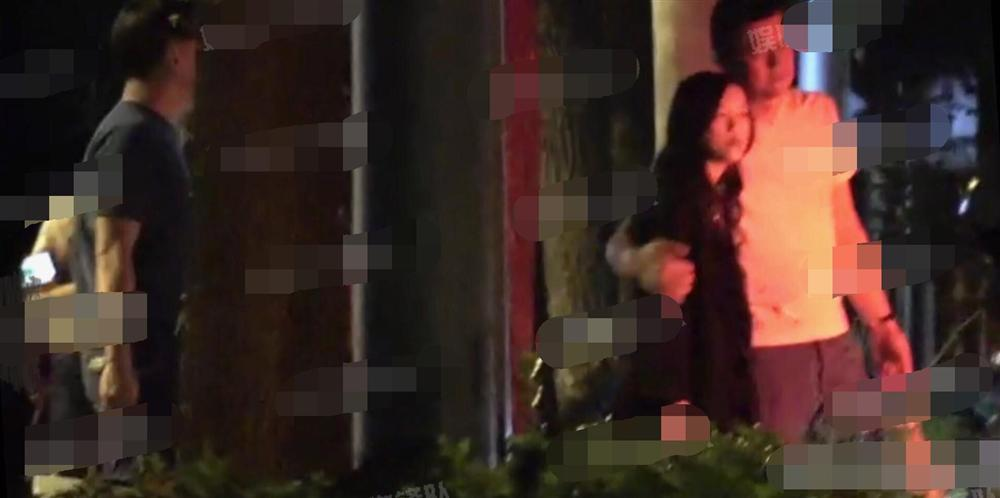 Vương Phi vắng mặt trong tiệc sinh nhật con gái hở hàm ếch do Lý Á Bằng tổ chức-6