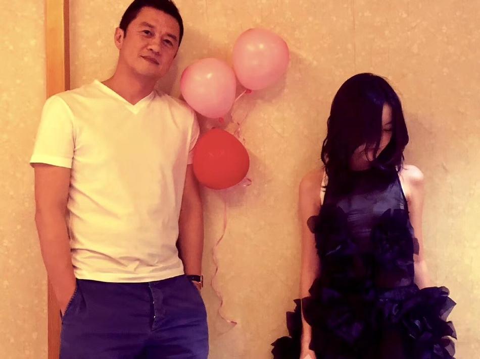 Vương Phi vắng mặt trong tiệc sinh nhật con gái hở hàm ếch do Lý Á Bằng tổ chức-4