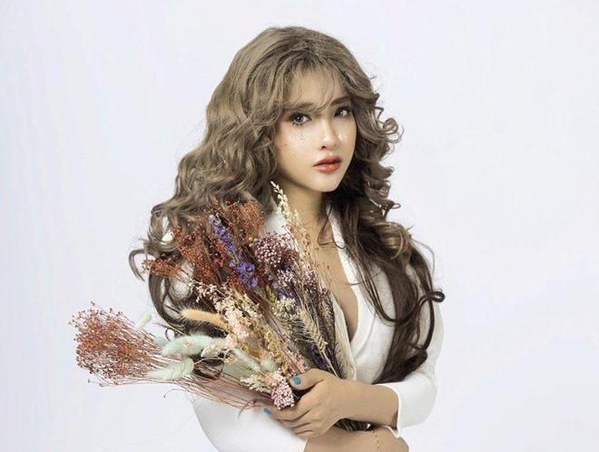 Chi Pu, Hòa Minzy và hàng loạt nghệ danh Tây Tàu ở showbiz Việt-1