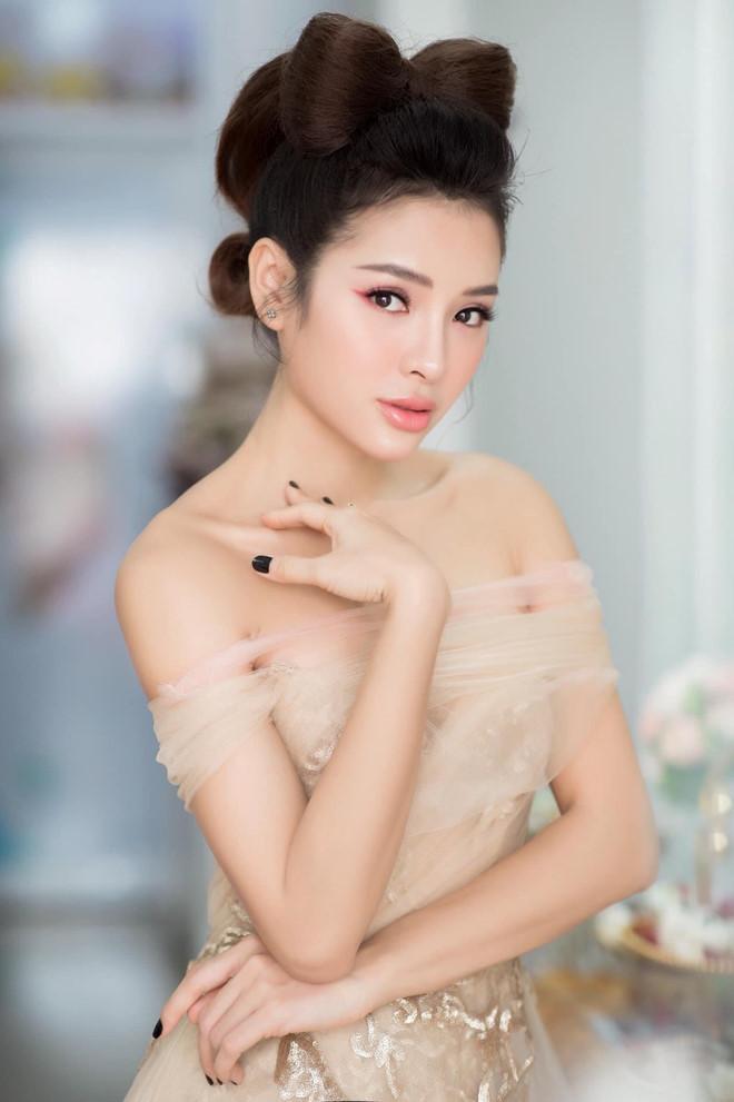 Chi Pu, Hòa Minzy và hàng loạt nghệ danh Tây Tàu ở showbiz Việt-6