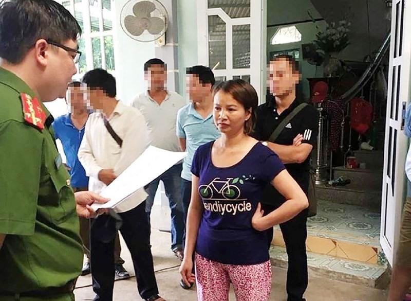 Mẹ nữ sinh giao gà bị bắt giam: Hàng xóm căm phẫn vì ứng xử của người mẹ-1