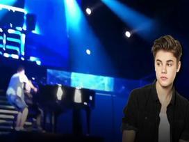 Justin Bieber và những nghệ sĩ hoảng sợ khi bị tấn công trên sân khấu