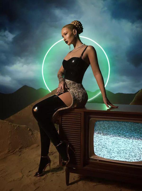 Sau sự cố ảnh nóng, lượng người đăng ký kênh Iggy Azalea tăng vọt: Chính thức quay lại top 3 cùng Nicki Minaj và Cardi B-5