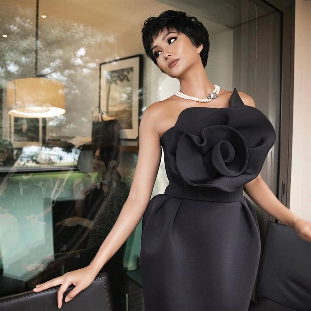 Bản tin Hoa hậu Hoàn vũ 30/5: HHen Niê lên đồ xuất sắc chặt đẹp dàn giai nhân quốc sắc thiên hương-1