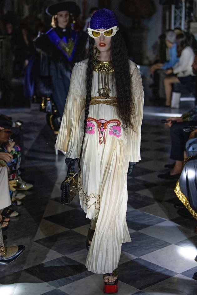 Gucci gây sốc với trang phục có thêu hình... tử cung trong bộ sưu tập mới nhất-2