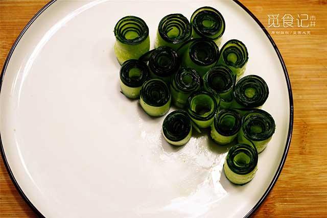 5 phút biến tấu món salad dưa leo chim công đẹp ngon hết sảy-3