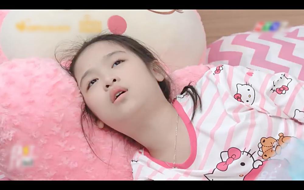 Cãi nhau như chó với mèo, nhưng mẹ thiên hạ Hae Ri lại như thất tình khi Shin Ae vắng nhà-3