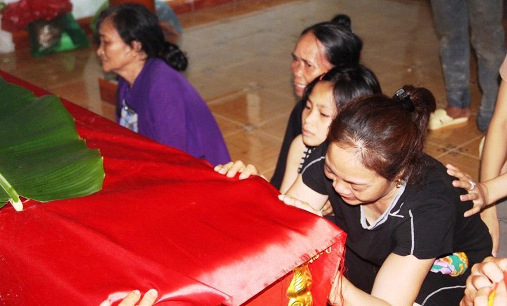 Quê lúa khóc thương tiễn đưa 5 học sinh bị đuối nước-2