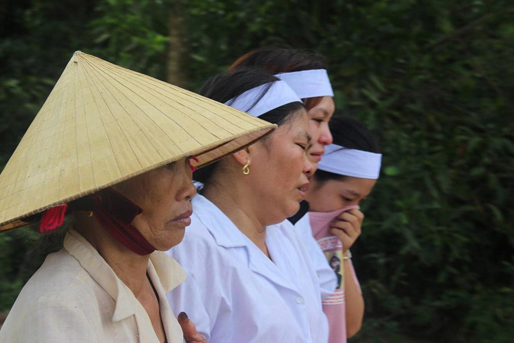 Quê lúa khóc thương tiễn đưa 5 học sinh bị đuối nước-4