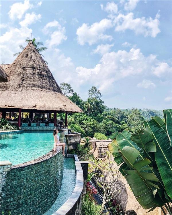 Rich kid Hà Nội bật mí lý do đi du lịch chỉ ở resort đắt nhất, ăn nhà hàng 3 sao, một chuyến đi chi 465 triệu đồng-5