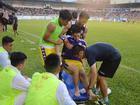 Dân mạng an ủi khi Đình Trọng chấn thương nặng trước thềm King's Cup
