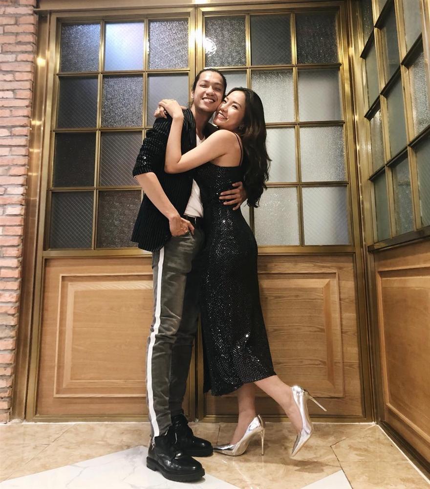 Linh Chi ngại ngùng khi tình yêu với Lâm Vinh Hải được ví như Huỳnh Hiểu Minh và Angela Baby-4