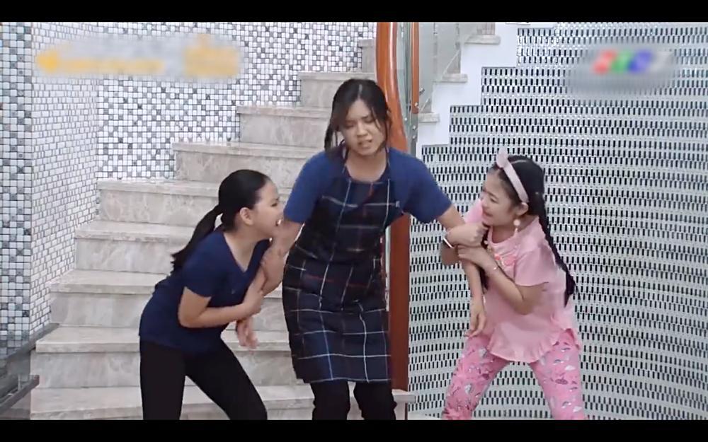 Sự thật nhói lòng đằng sau việc má thiên hạ Hae Ri giành chị gái của Shin Ae-13