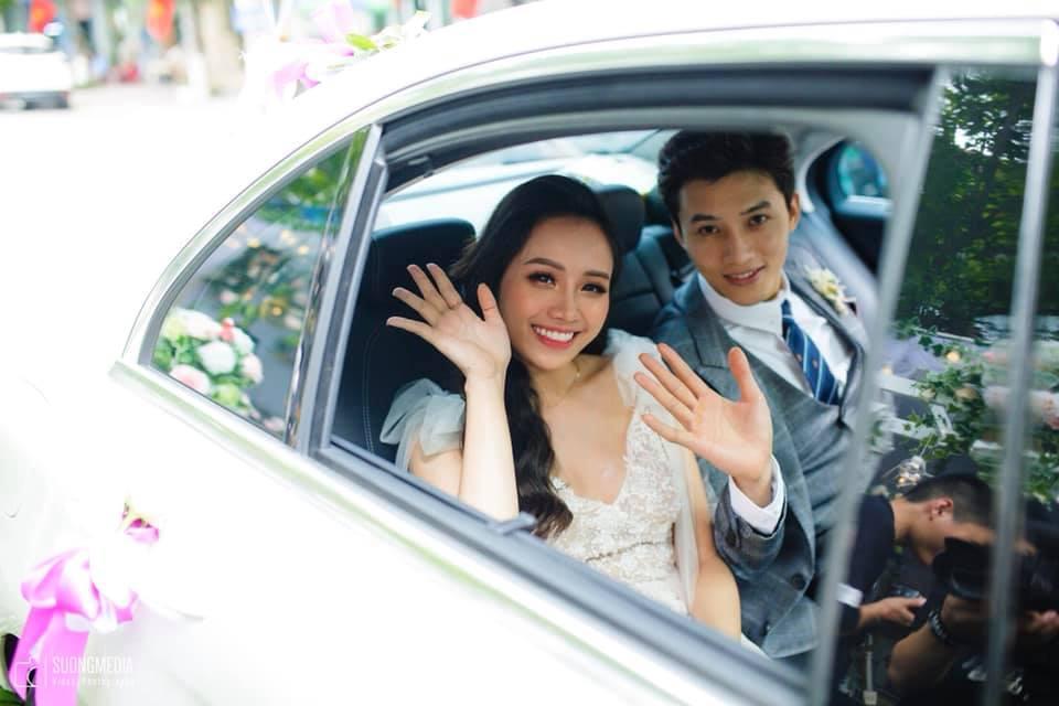 Chuyện giờ mới kể về đám cưới nữ MC xinh đẹp và bạn trai hotboy: Cô dâu - chú rể quẩy bung sân khấu cùng khách mời-10