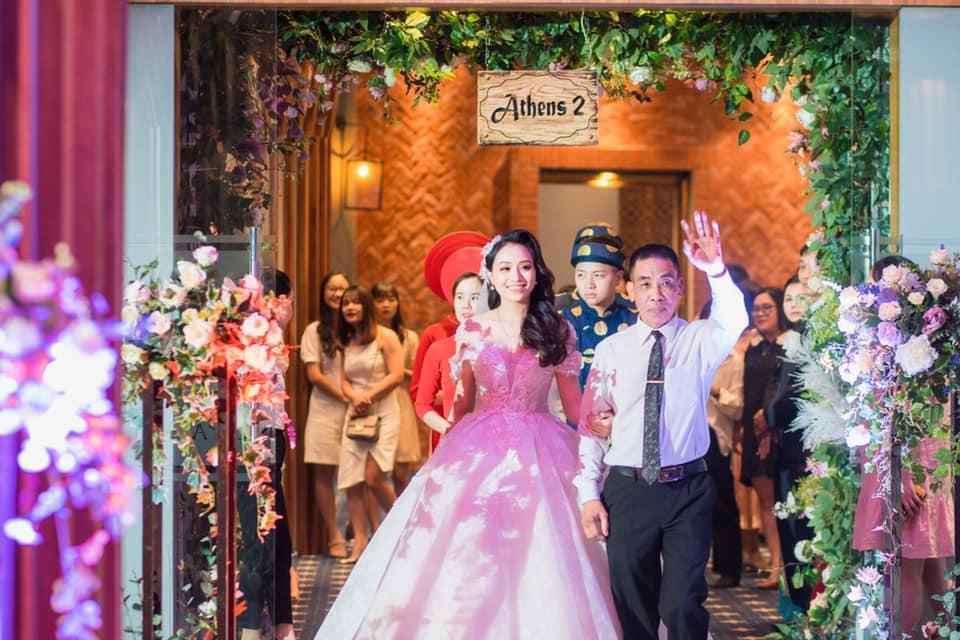 Chuyện giờ mới kể về đám cưới nữ MC xinh đẹp và bạn trai hotboy: Cô dâu - chú rể quẩy bung sân khấu cùng khách mời-13