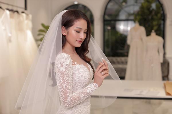 Cận cảnh chiếc váy cưới mà Sara Lưu sẽ mặc trong đám cưới với nhạc sĩ Dương Khắc Linh-1