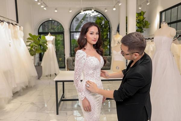 Cận cảnh chiếc váy cưới mà Sara Lưu sẽ mặc trong đám cưới với nhạc sĩ Dương Khắc Linh-2