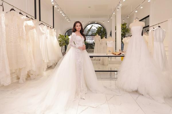 Cận cảnh chiếc váy cưới mà Sara Lưu sẽ mặc trong đám cưới với nhạc sĩ Dương Khắc Linh-5