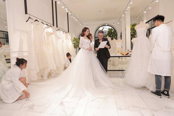 Cận cảnh chiếc váy cưới mà Sara Lưu sẽ mặc trong đám cưới với nhạc sĩ Dương Khắc Linh-4