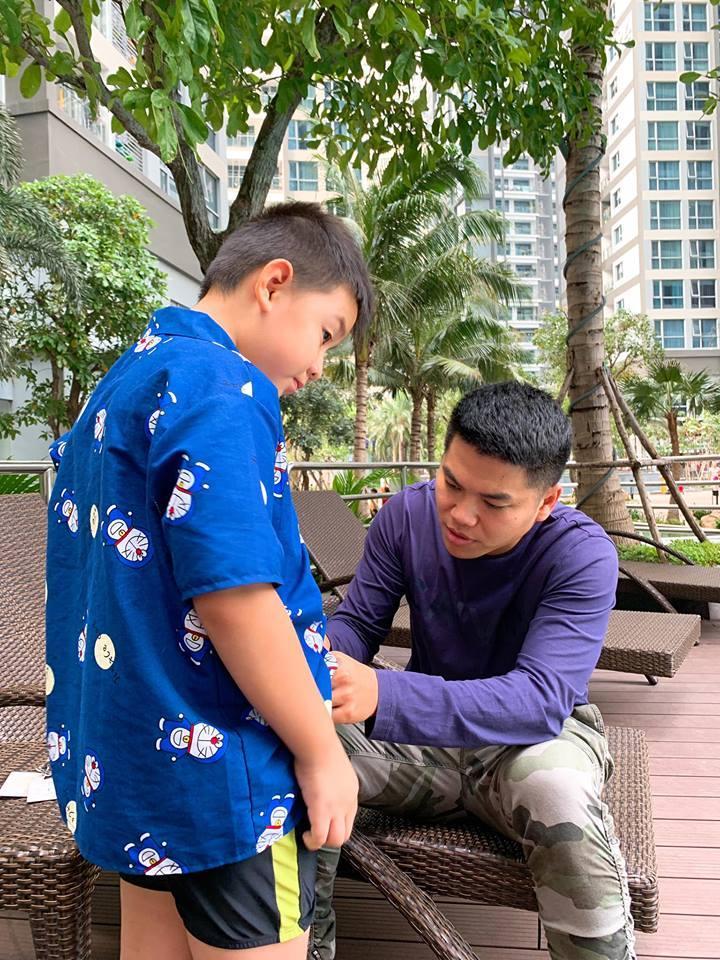 Con trai Lê Phương - Quách Ngọc Ngoan yêu thương cha dượng trẻ tuổi không khác gì cha đẻ-10