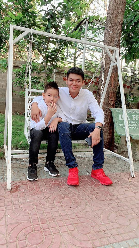 Con trai Lê Phương - Quách Ngọc Ngoan yêu thương cha dượng trẻ tuổi không khác gì cha đẻ-9