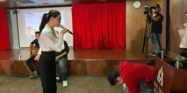 Clip: Phản ứng đáng chú ý của Gil Lê khi bị Phạm Quỳnh Anh dùng nhạc Chi Pu để trêu chọc-2