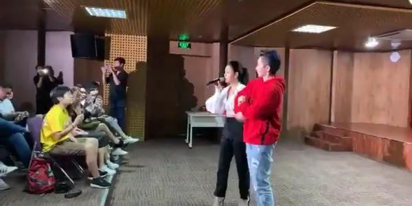 Clip: Phản ứng đáng chú ý của Gil Lê khi bị Phạm Quỳnh Anh dùng nhạc Chi Pu để trêu chọc-3