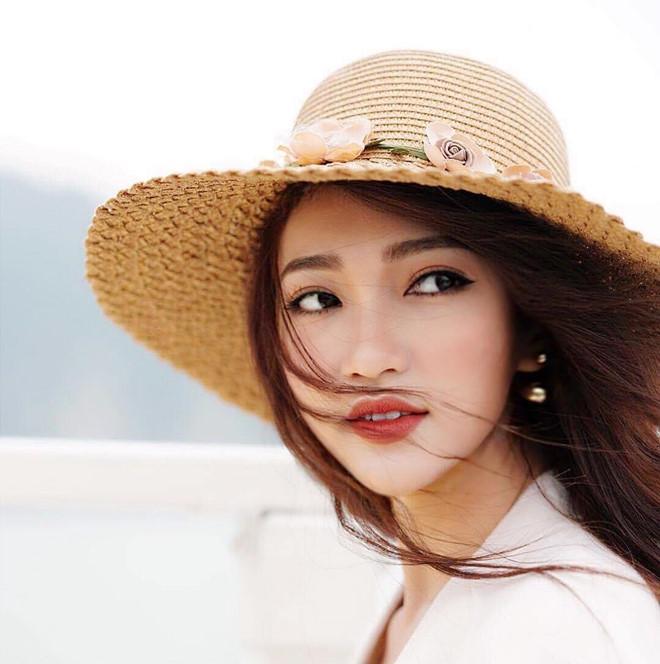 Bạn gái tin đồn của Phan Văn Đức chăm diện bikini, khoe ảnh gợi cảm-5
