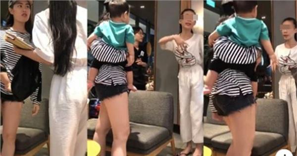 Lại xuất hiện thêm clip ăn trộm nhanh như chảo chớp của gái xinh Sài thành gây phẫn nộ dư luận 3 ngày qua-1