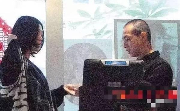 Lương bèo bọt như sao TVB: Đổ xô đi bán gà, cá viên chiên để mưu sinh-2