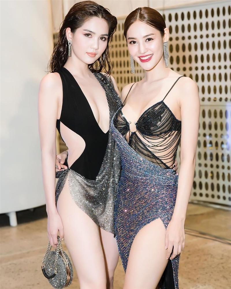 Cũng mặc bikini quấn khăn mỏng tang lên thảm đỏ, Linh Chi ve vuốt Ngọc Trinh: Mặc kệ những đứa đánh giá chúng mình-4