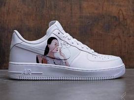 Trendy trên từng ngón chân: Giày 'Chị hiểu hông' vừa lên kệ đã khiến dân tình tròn mắt