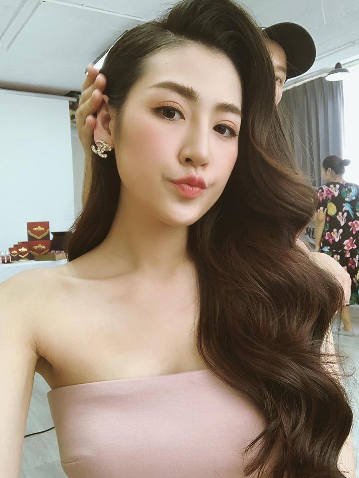 Hoa hậu HHen Niê thân thiết với Á hậu Lệ Hằng chuẩn trend chị ngả em nâng-8
