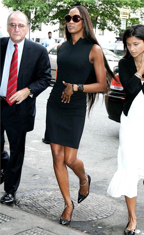 Tuyển tập thời trang hầu tòa của sao Hollywood: Cardi B chuẩn chỉnh, Lindsay Lohan như đi diễn thời trang-6