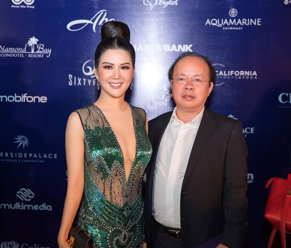 Gu thời trang gợi cảm và ngập tràn hàng hiệu của Đinh Hiền Anh - vợ thứ trưởng Bộ Tài chính vừa bị kỷ luật Đảng-7