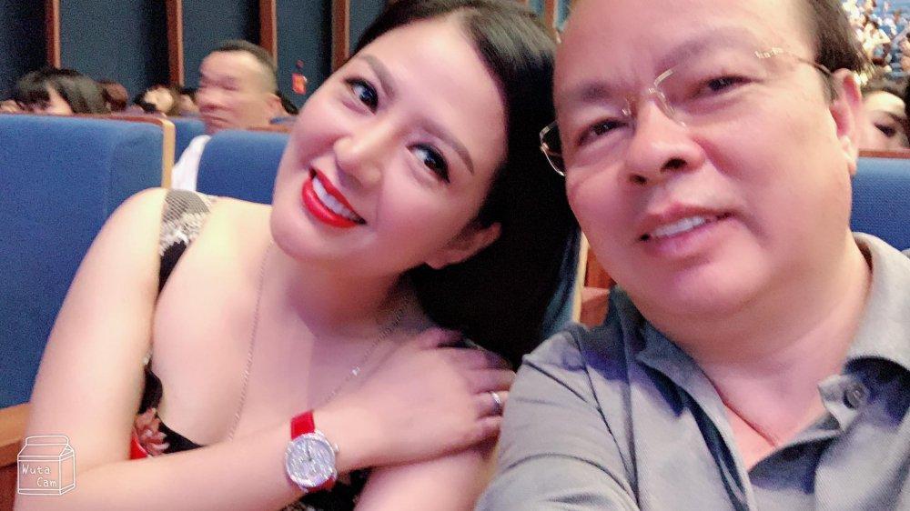 Gu thời trang gợi cảm và ngập tràn hàng hiệu của Đinh Hiền Anh - vợ thứ trưởng Bộ Tài chính vừa bị kỷ luật Đảng-11